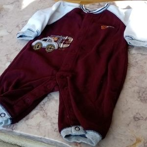 Carter's 6m dark red outfit boys baby